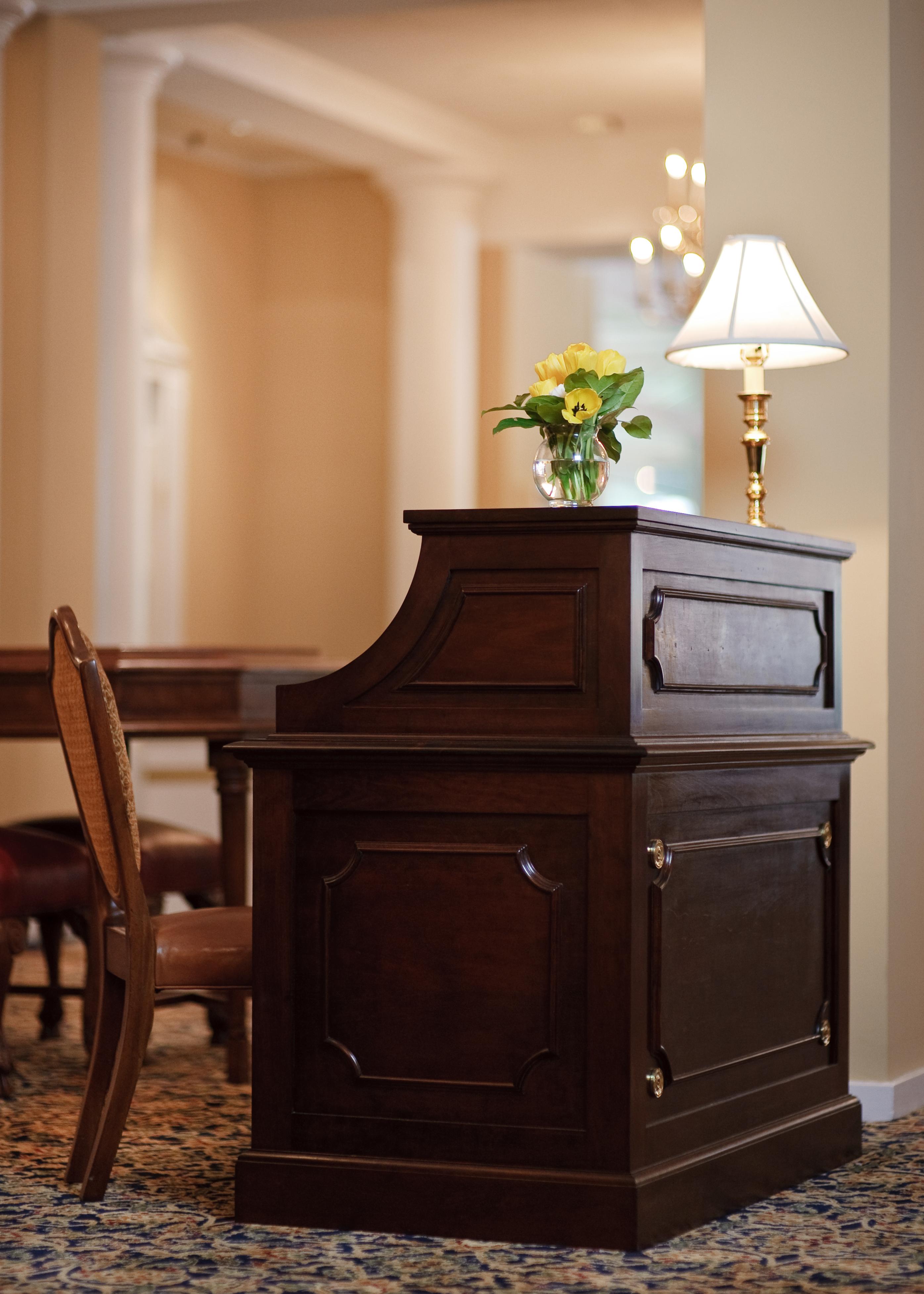 aod_7876_full_portr160nc - Concierge Desk Design
