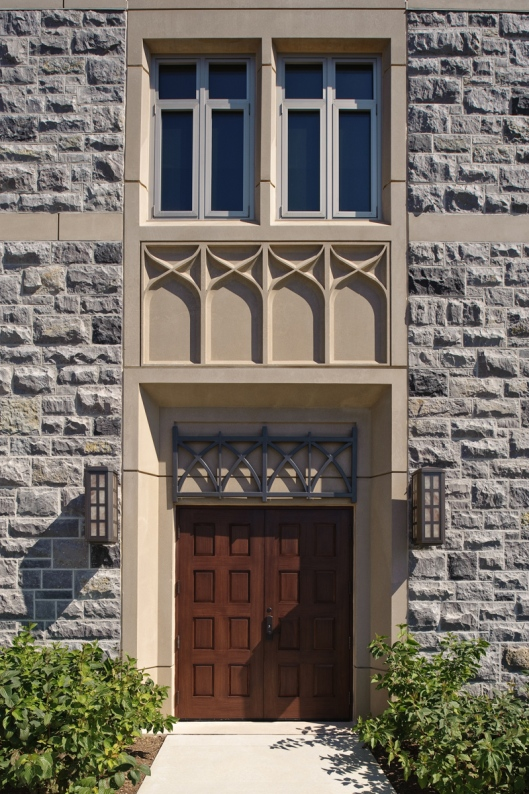 VT Admissions Entrance - Glave & Holmes Architecture, Hotel & Hoome Studio